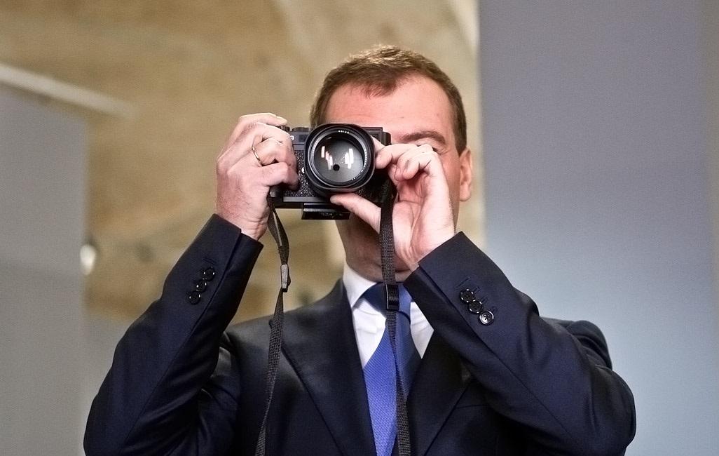 Медведев и фотоаппарат