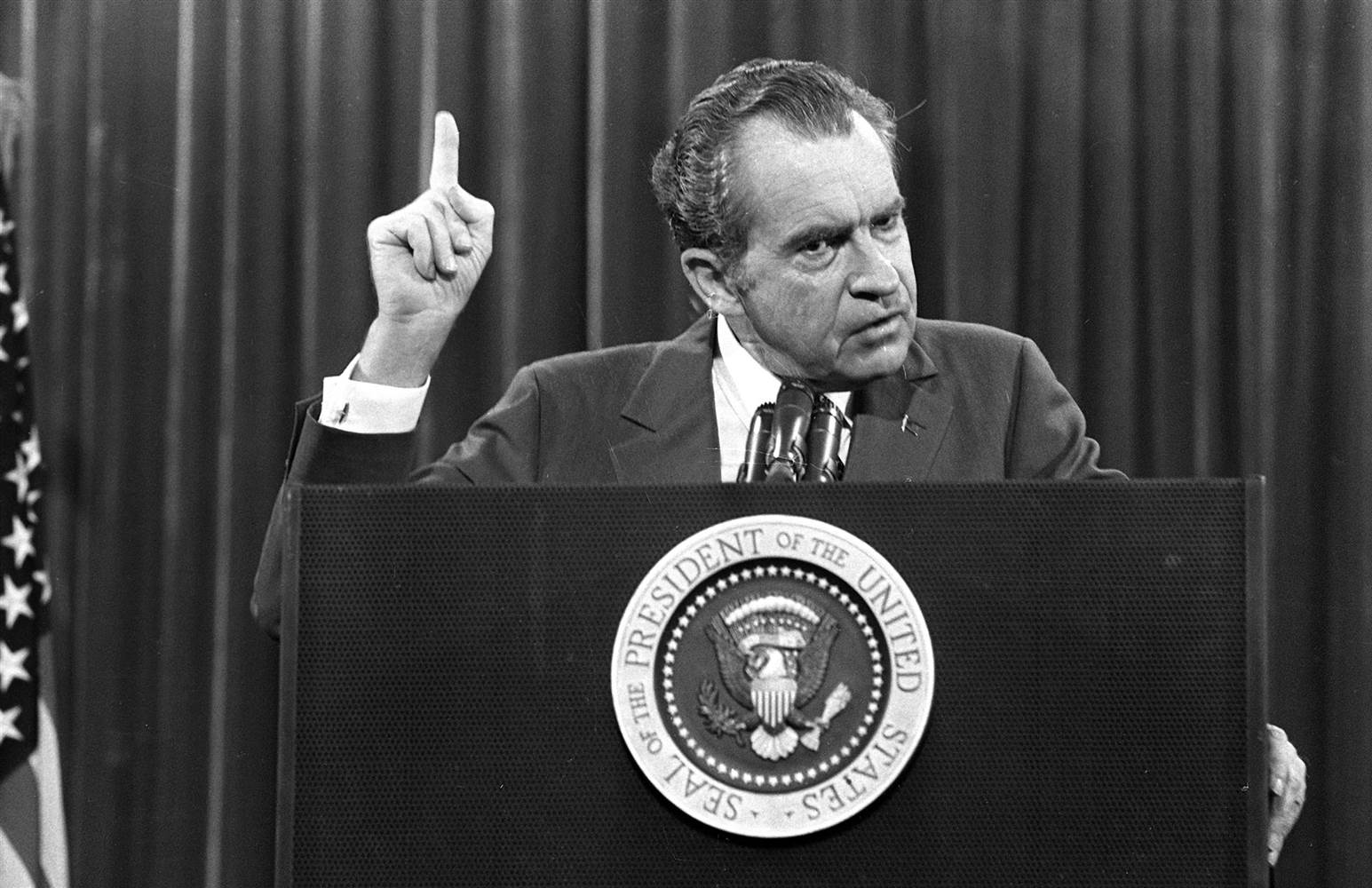 the investigation and press coverage of the watergate scandal and the 2000 presidential election