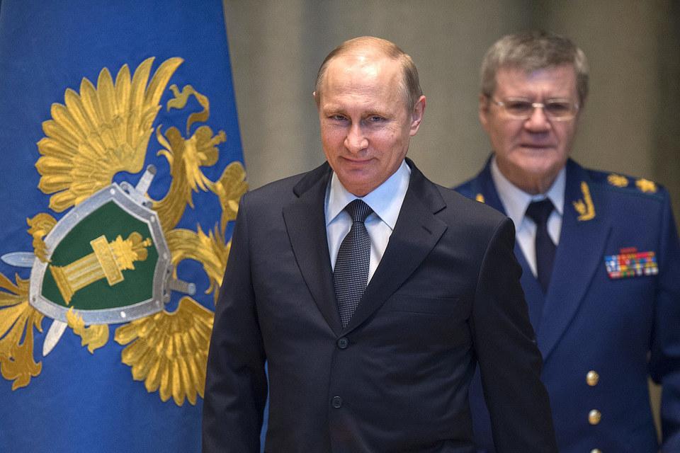 Путин и Чайка